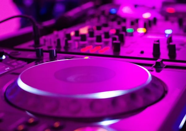 Hochzeits DJ: DJ Zalmii.